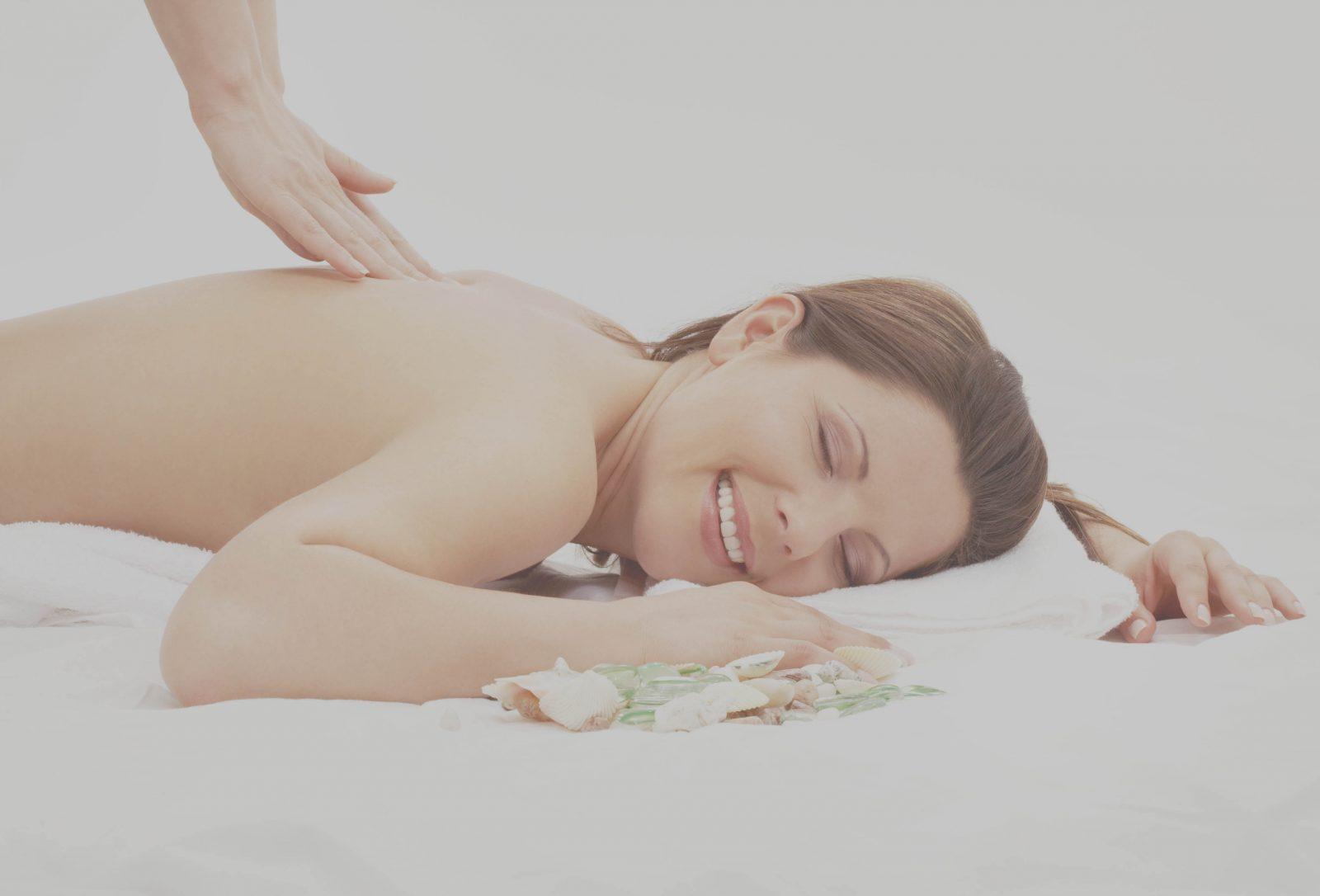 Wemoon massage candle make a sensual lubricant